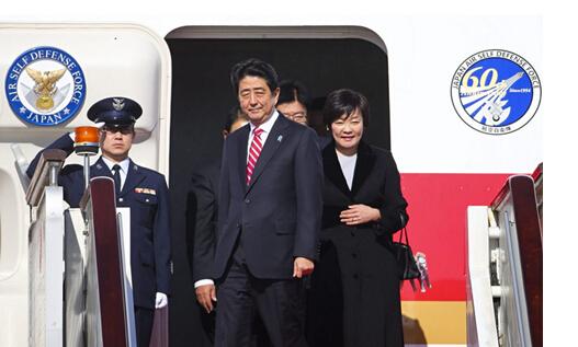 安倍乘坐的飞机是一架747-47c,这架飞机并不是总统专用的.