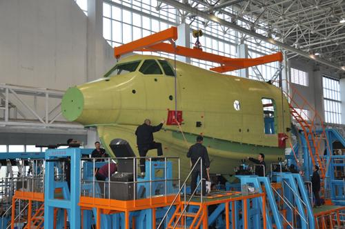 中国自主研制ag600飞机机头大部件实现交付