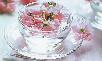 玫瑰花茶加蜂蜜_桃花花茶加蜂蜜-玫瑰花茶和玫瑰茄和桃花加蜂蜜水是什效果