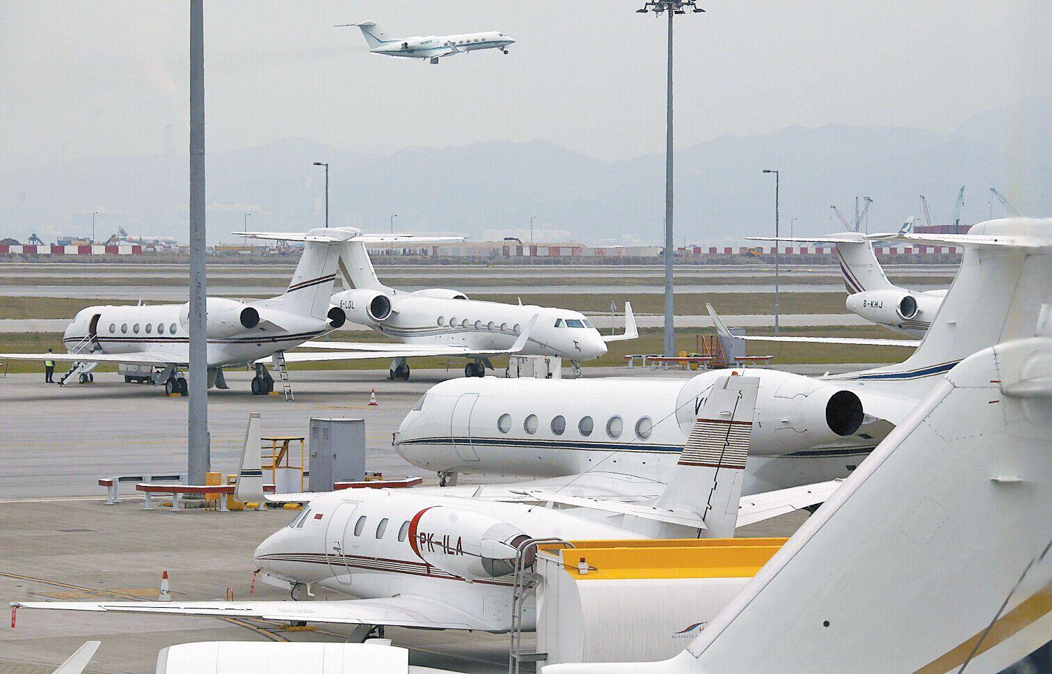 香港可结合珠三角一带的机场(珠三角有5个飞机场)合作发展飞机维修