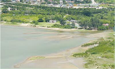 河口及东涌湾一带更是十分优美,红树林生长繁茂,其邻近东澳古道的地理