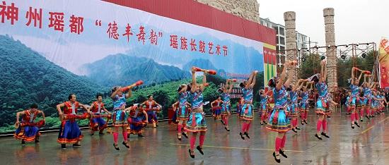 特约记者李光平,张立华报道:在湖南湘南边陲的江华瑶族自治县,有关