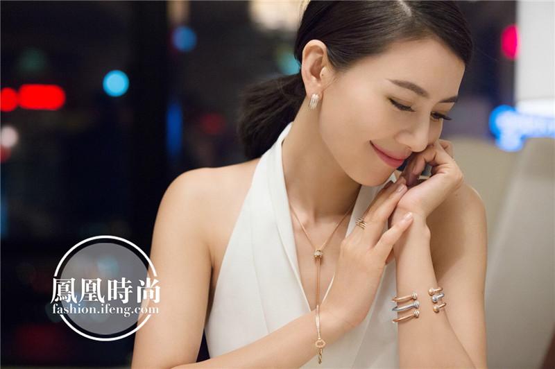 近日,高圆圆为piaget珠宝拍摄了一组广告大片,美出新高度.