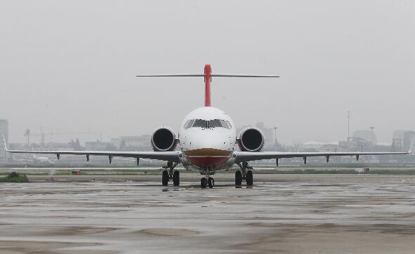 6月28日,eu6679航班抵达上海虹桥机场.