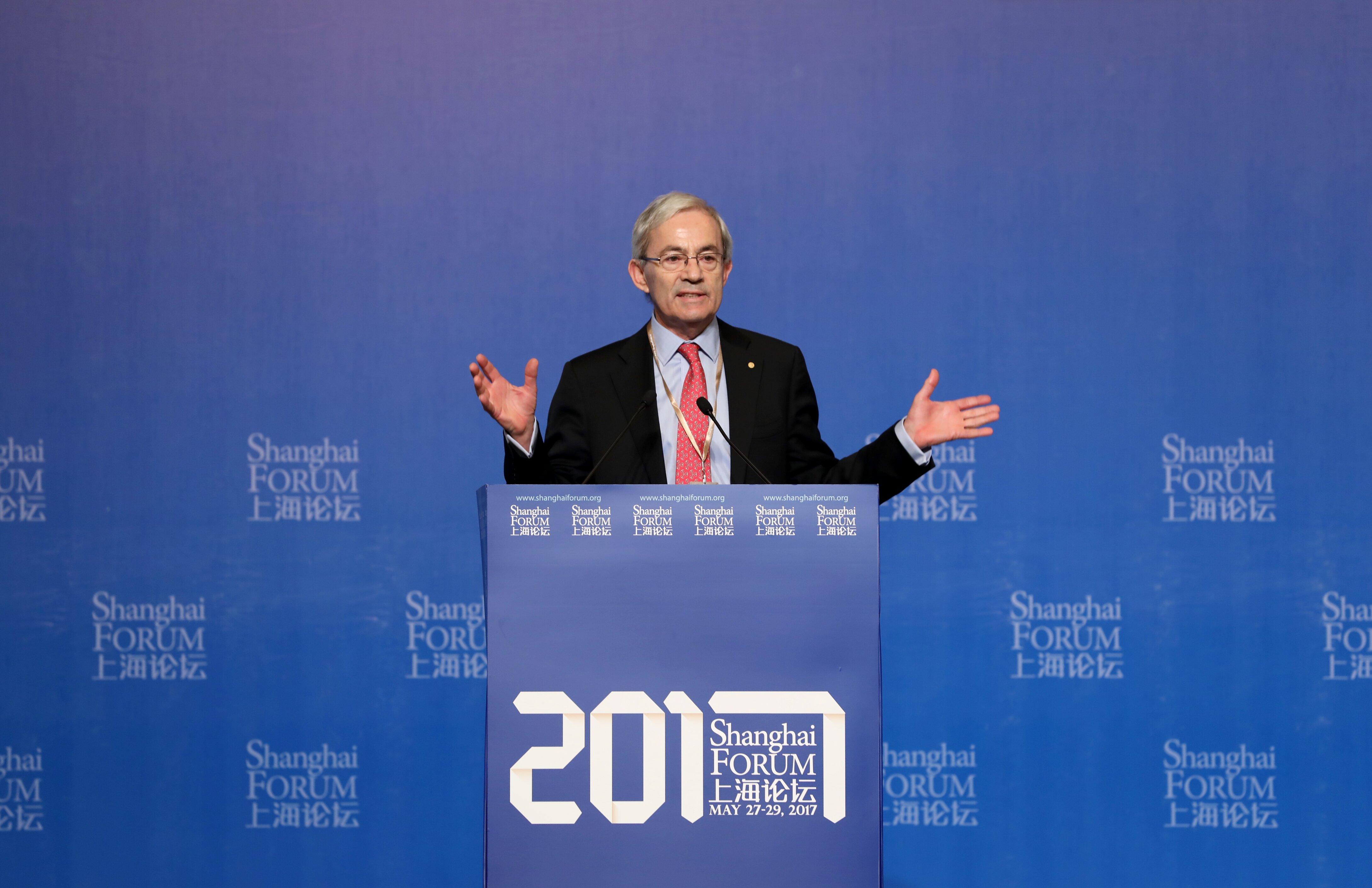 2010年诺贝尔经济学奖得主克裏斯托弗·皮萨裏德斯爵士(chris
