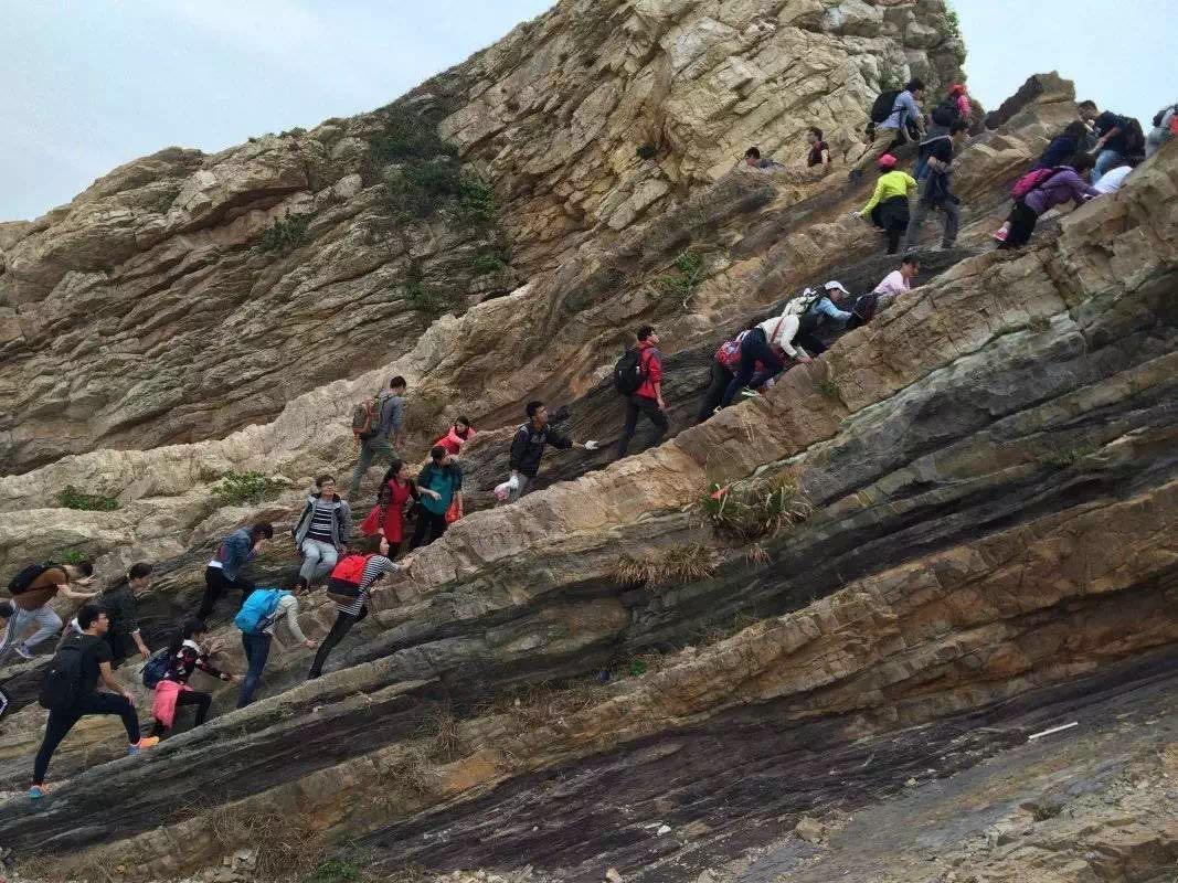 较为固定的登山徒步路线,按难易程度可分为休闲级(大鹏古道,杨梅坑左