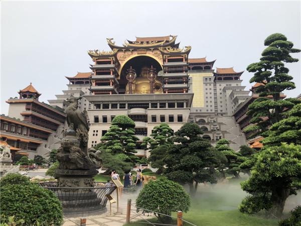 桂玉林云天宫 中华五千年文化艺术的圣殿