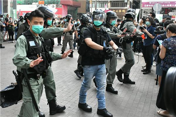 【商报时评】内忧外患夹击 香港必须警惕