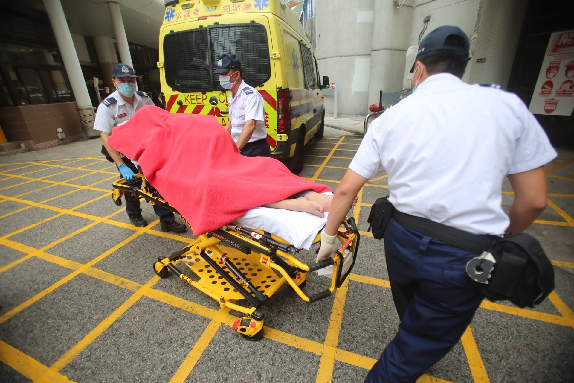 3地盤工港島山頂施工遭雷劈 受傷送院救治