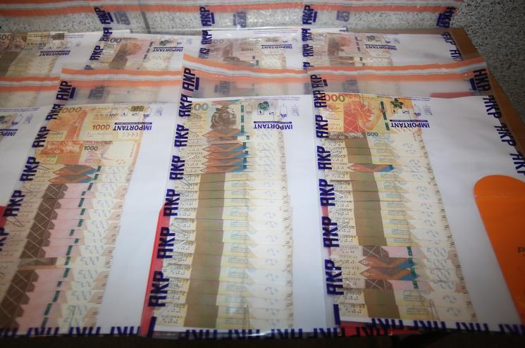 警土瓜灣破電騙案拘3男 涉及金額達135萬元